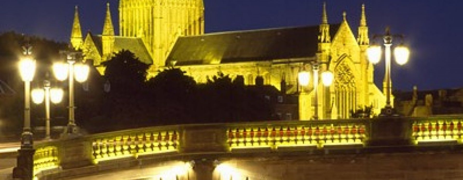 worcester cathedral night